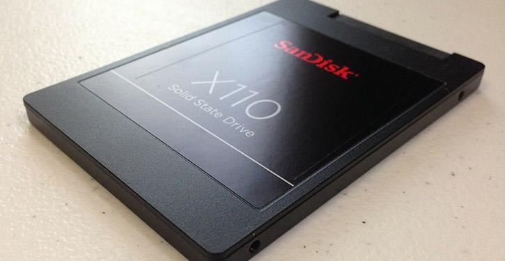 Dysk SSD zamontowany w komputerze czy laptopie znacząco podnosi jego wydajność.