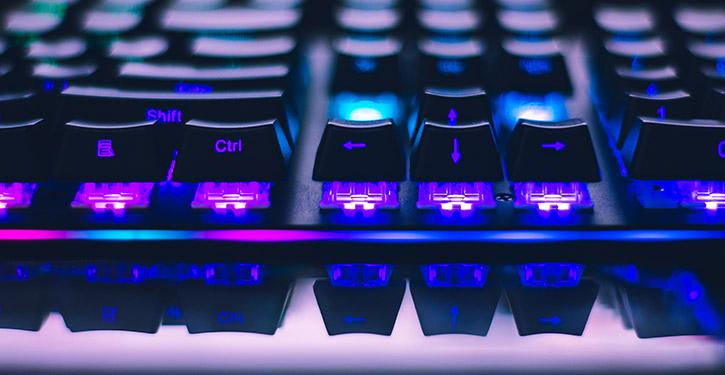 Klawiatura mechaniczna – jaką wybrać i kupić? Ranking klawiatur mechanicznych dla graczy 2021!