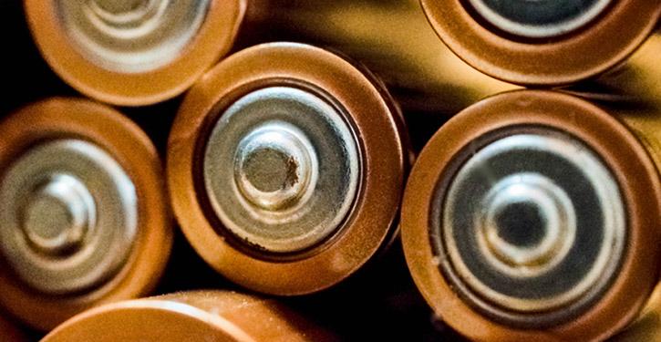 Ładowarka do akumulatorów – polecane modele ładowarek do akumulatorków w rankingu 2021!