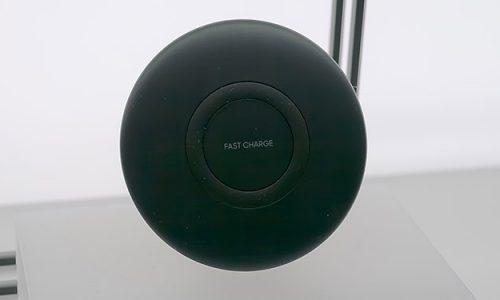 Ładowarka indukcyjna to bardzo praktyczny wynalazek. Do 0 obniża szansę na zerwanie kabla czy uszkodzenia portu micro usb, który łatwo uszkodzić podczas mocnego szarpnięcia.