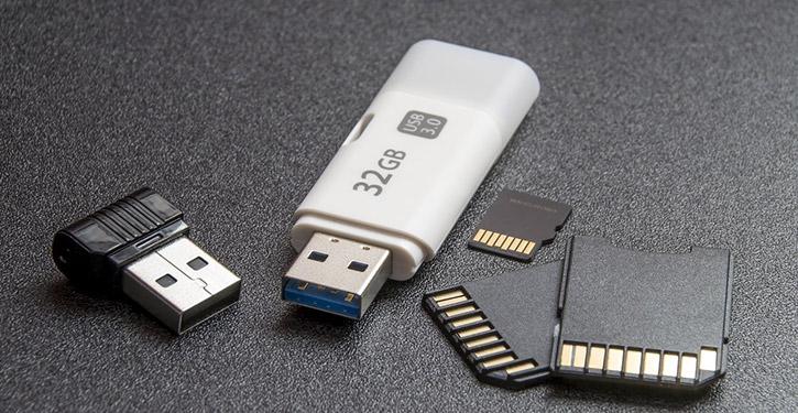 Pendrive to świetne urządzenie aby łatwo i szybko przenosić swoje dane.
