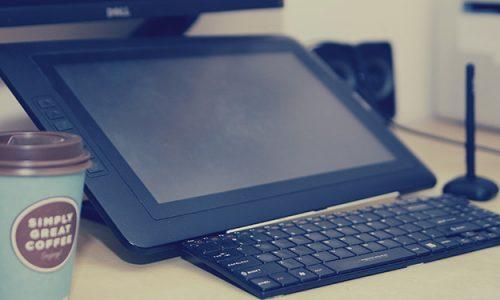 Tablet graficzny z wyświetlaczem to sprzęt przeznaczony dla profesjonalnych grafików oraz rysowników.